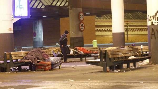 Personas 'sin techo' en Atocha