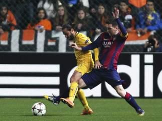 Messi ante el Apoel