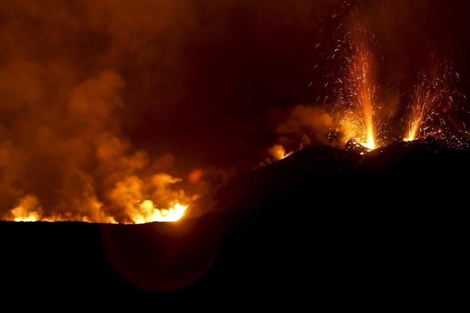 El volcán Fogo obliga a evacuar a miles de personas