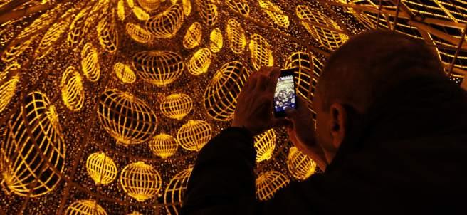 Las luces avanzan la Navidad en la capital