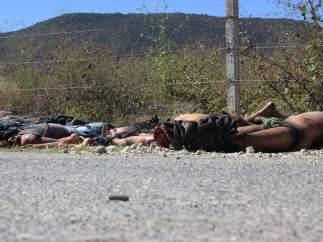 Hallan 11 cad�veres decapitados en M�xico