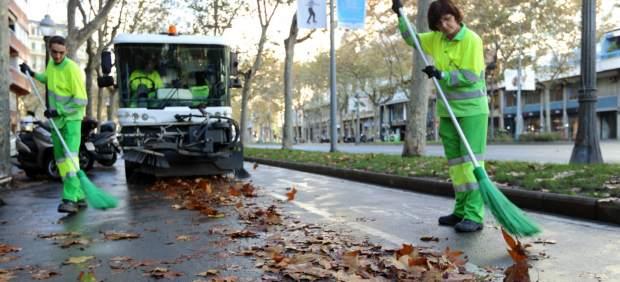 Barcelona utiliza los rboles para dar calor a edificios y - Agencias de limpieza barcelona ...