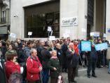 Protesta ante el Canal de Isabel II