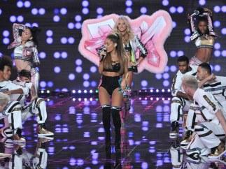 Ariana Grande en el desfile de Victoria's Secret