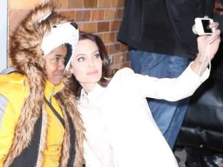 Angelina Jolie y una fan