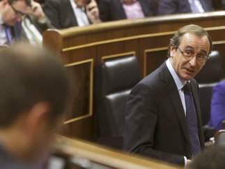 Alfonso Alonso se estrena en el Congreso como ministro