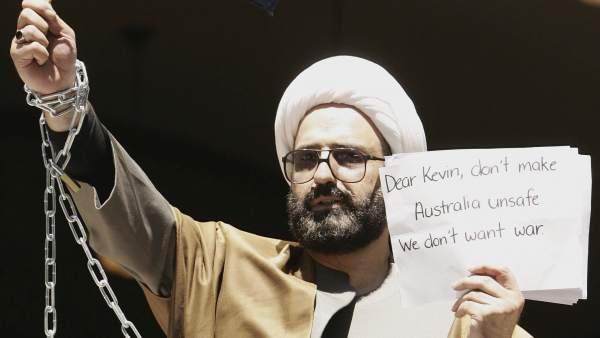 Man Haron Monis en una de sus protestas contra la presencia militar en Afganistán