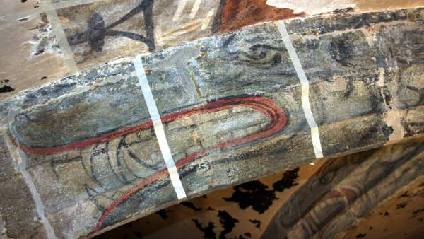 Dragones en el techo de la iglesia de Sant Pere de Ripoll.