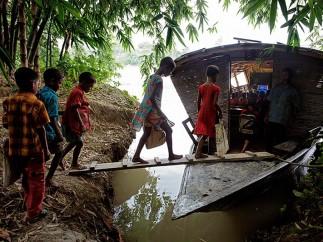 Transporte escolar en el delta del Ganges