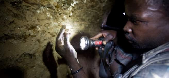 Trabajador de una mina en Tanzania