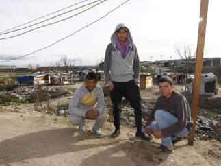 Tres jóvenes de El Gallinero