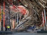 Se derrumba una escultura gigante en Bélgica