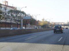 La A-5, de autovía a calle: limitación de velocidad, carril bus, radares y más semáforos