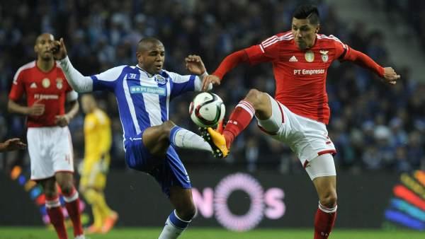 Enzo Pérez y Brahimi, Benfica - Oporto