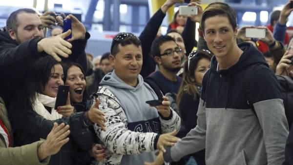 Fernando Torres en el aeropuerto
