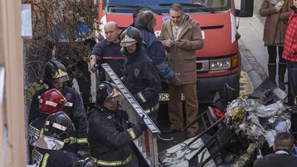 Miembros del cuerpo de bomberos no han podido impedir el fallecimiento de tres personas en un incendio en Cehegín