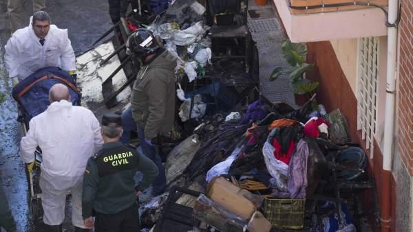 Tres miembros de una familia fallecen en un incendio en su vivienda en Cehegín, Murcia.