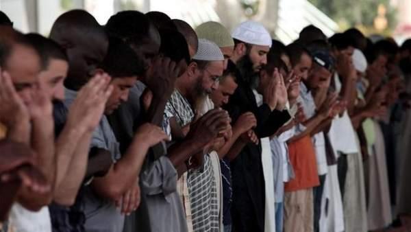 Musulmanes españoles rezando