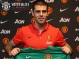 Víctor Valdés, nuevo portero del Manchester United