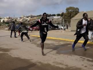 Inmigrantes en patera a Melilla