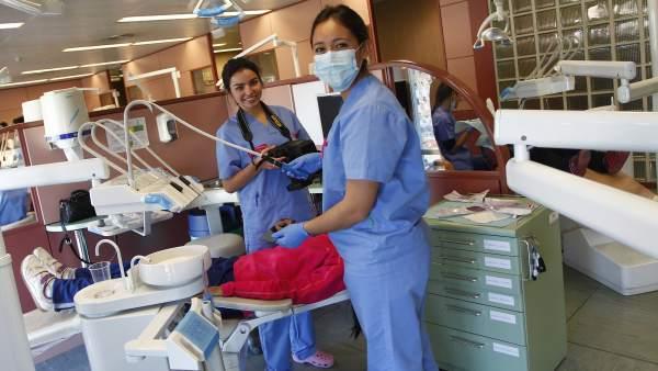 Fotos tres chicas odontologa universidad alfonso x sabio
