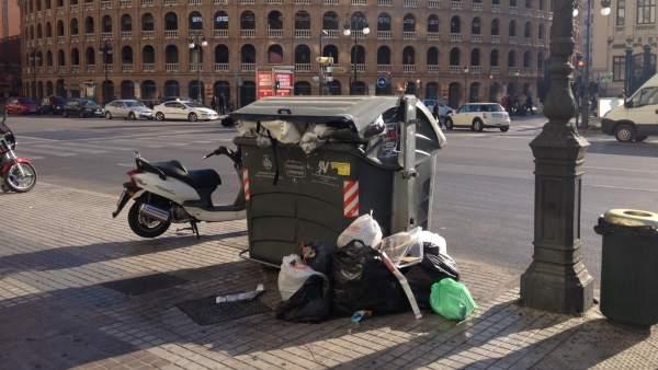 L'atur i la falta de neteja són els principals problemes de València segons els veïns