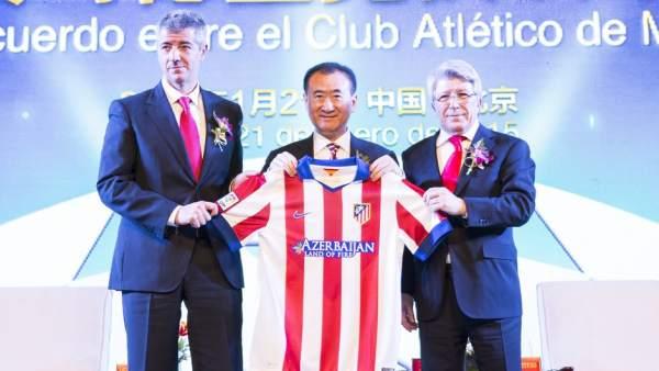 Acto de presentación del acuerdo entre el Atlético de Madrid y Wang Jianlin