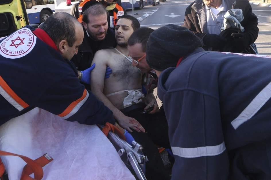 Apuñala a 9 personas en un autobús de Tel Aviv