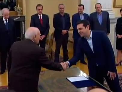 Tsipras toma posesi�n como primer ministro