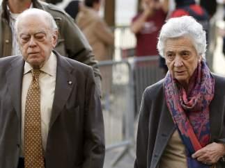 Jordi Pujol y su esposa
