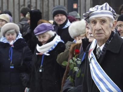 Homenaje en Auschwitz