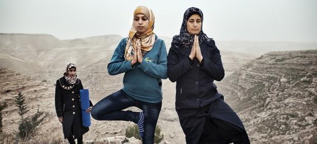 Clases de yoga - Tanya Habjouqa