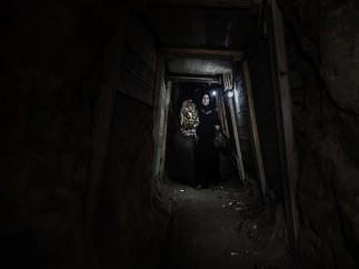 A una fiesta por el túnel - Tanya Habjouqa
