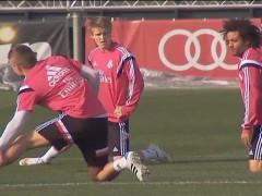 Odegaard entrena con el primer equipo