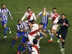 El Deportivo encuentra un nuevo �dolo en el costarricense Celso Borges