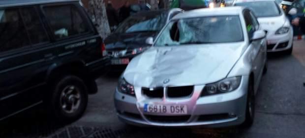 Muere un mosso atropellado por un vehículo en un control de alcoholemia en Sabadell