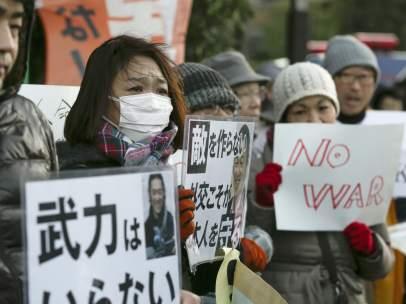 Reacciones tras la muerte del reh�n japon�s