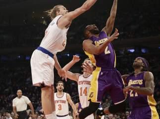 Calderón en el partido entre Knicks y Lakers
