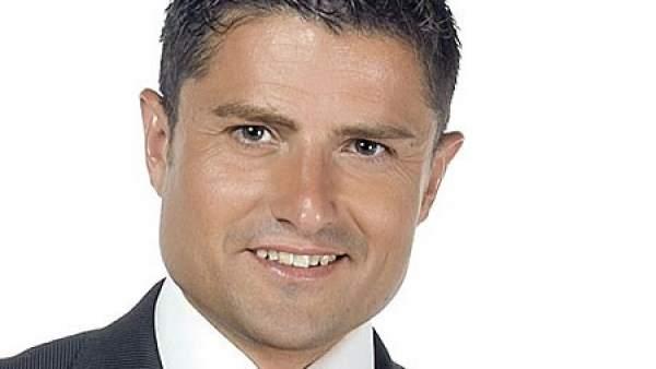 Polémica sexual con el presentador de 13TV Alfonso Merlos en twitter