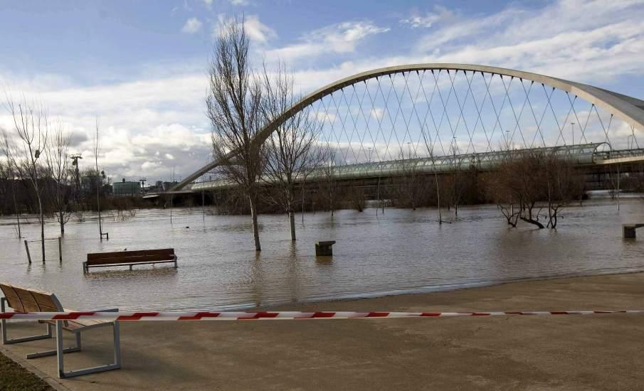 Crecida del río en Zaragoza