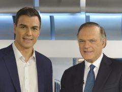 Pedro Sánchez y Pedro Piqueras