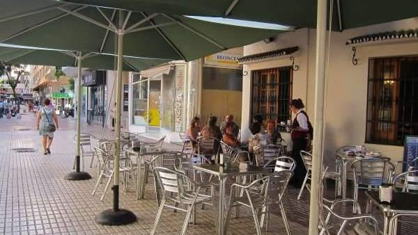 Los bares con terrazas crecen en palacio de deportes camino de ronda y joaquina eguaras - Bares en ronda ...