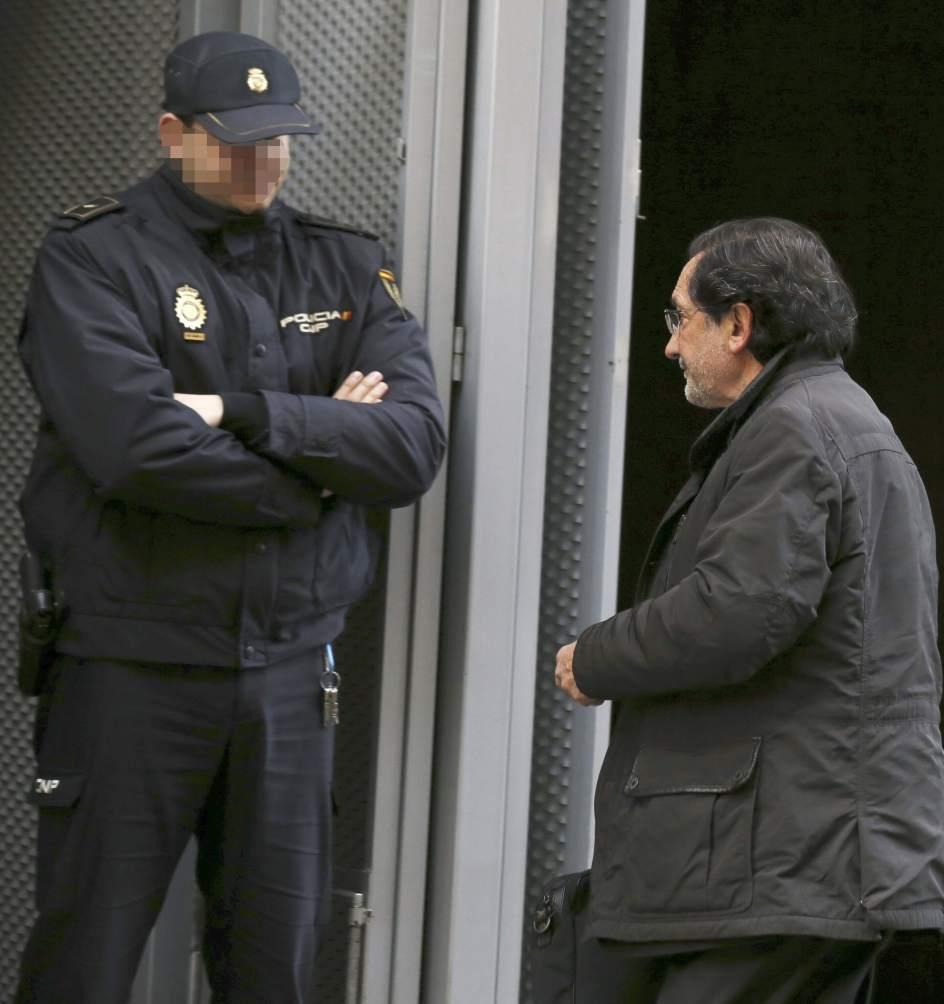 Doce Imputados De Las 39 Tarjetas Black 39 Hipotecan Sus Casas