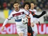 Xabi Alonso en el Shakhtar - Bayern
