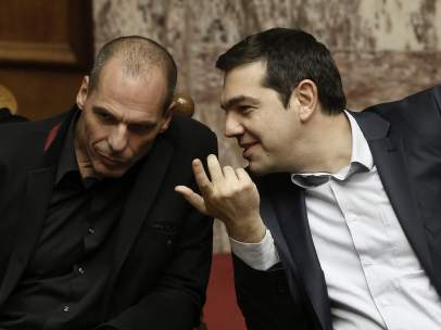 Varufakis y Tsipras (dcha.)