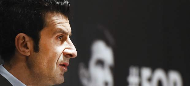 """El Oporto: """"Figo cambió la admiración de los aficionados del Barça por las pesetas de Madrid"""""""