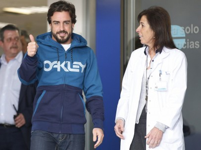 Fernando Alonso sale del hospital