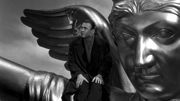 Bruno Ganz in Himmel über Berlin (Wings of Desire, West Germany/France 1986/87) by Wim Wenders