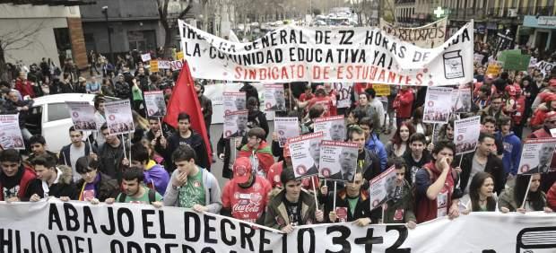 Universidades e institutos secundan una huelga este jueves contra el decreto 3+2 y la Lomce
