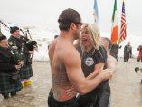 Lady gaga y Taylor Kinney se sumergen en el lago Michigan